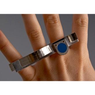 Handscape ring. Sterling silver, enamel, 9ct gold. © photo Jeff Atkinson 2009