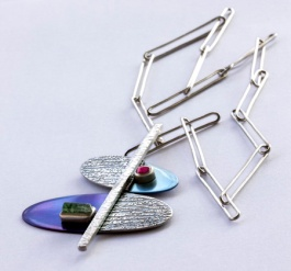 Holding it together. Pendant. Sterling silver, titanium, rubis, tourmaline