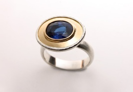 An ocean in a cup. Ring. 18ct gold, sterling silver, blue sapphire.